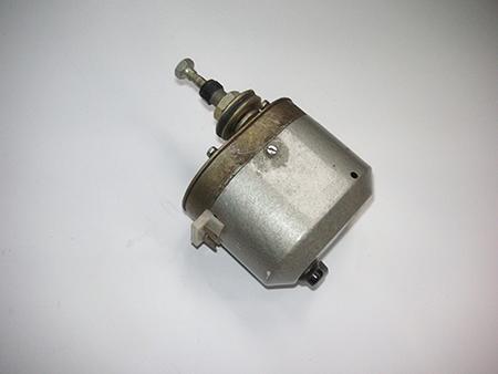 Электродвигатель стеклоочистителя с переключателем