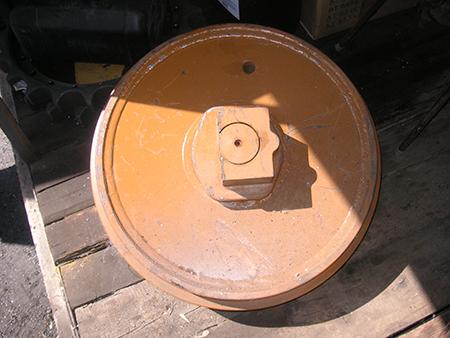 Направляющее-колесо-JCB330-JSA0131